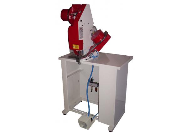 Machine Automatique pour la pose d'oeillets métalliques 29-FEI